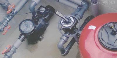 instalacja hydrauliczna w basenie